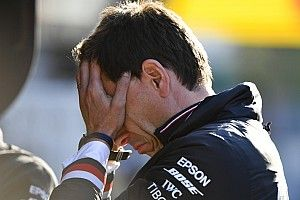 F1オーストラリアGPの中止を決定付けた、ダイムラーCEOからの深夜の電話