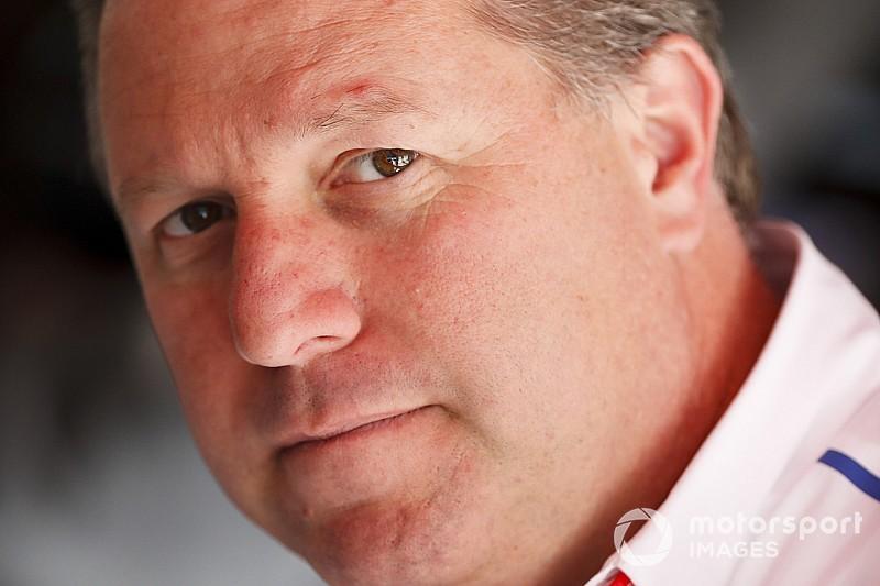 Босс McLaren: Ferrari скрывает причины отказа от тестов новых шин
