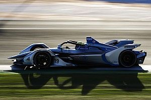 Fotogallery: le nuove Formule E Gen2 in azione a Valencia
