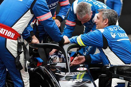 Equipe médica do GP do Brasil simula resgate de piloto