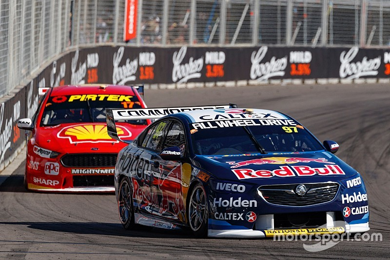 Newcastle Supercars: Van Gisbergen beats McLaughlin with last-lap pass