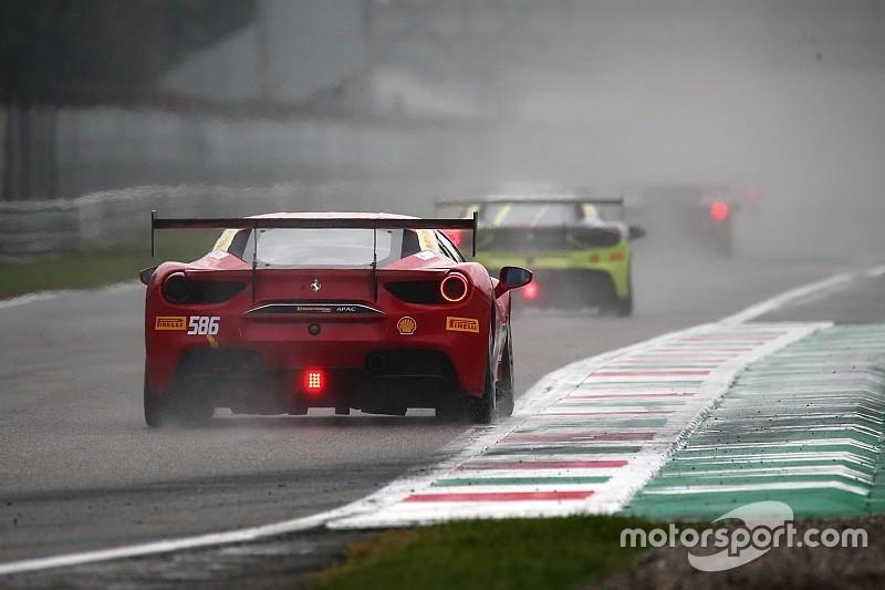 Acquazzone a Monza, il maltempo provoca la bandiera rossa alle Finali Mondiali Ferrari