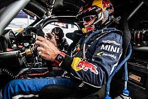 """Dakar, Sainz rallentato da forature e problemi: """"Ma domani posso rimontare"""""""