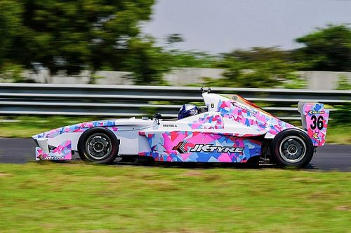 Gallery: Cool liveries in JK Tyre Racing Championship