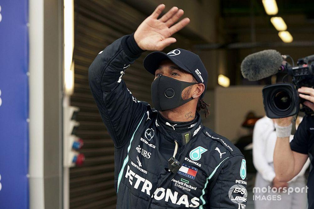 El director de carrera de la F1 responde a Hamilton