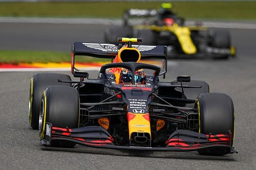 Egy meglepő statisztika: Leclerc-nek 12 kör is elég volt, Albonnak 49 sem…