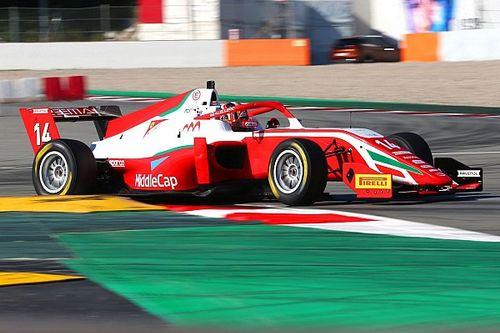 Смотрите прямо сейчас: Леклер-младший в третьей гонке ФRegional в Барселоне