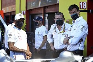 """Wolff: """"Mercedes kimsenin ayrılığından etkilenmeyecek güçte"""""""