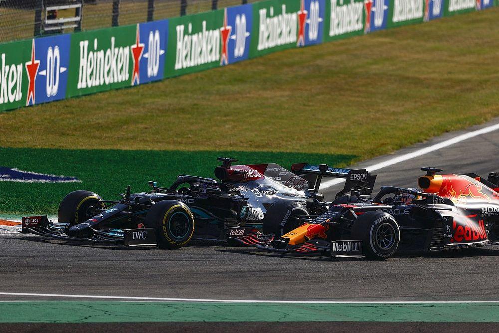 """Alonso: """"Hamilton en Verstappen hebben allebei het juiste gedaan"""""""