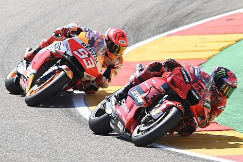 Bagnaia piega Marquez ad Aragon: è la prima vittoria in MotoGP