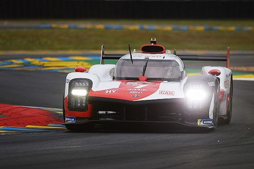 Le Mans: Kobayashi lidera dobradinha da Toyota e conquista pole position