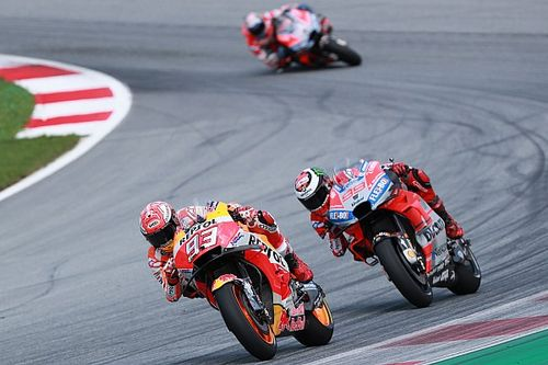 Marquez changed strategy to split the Ducatis