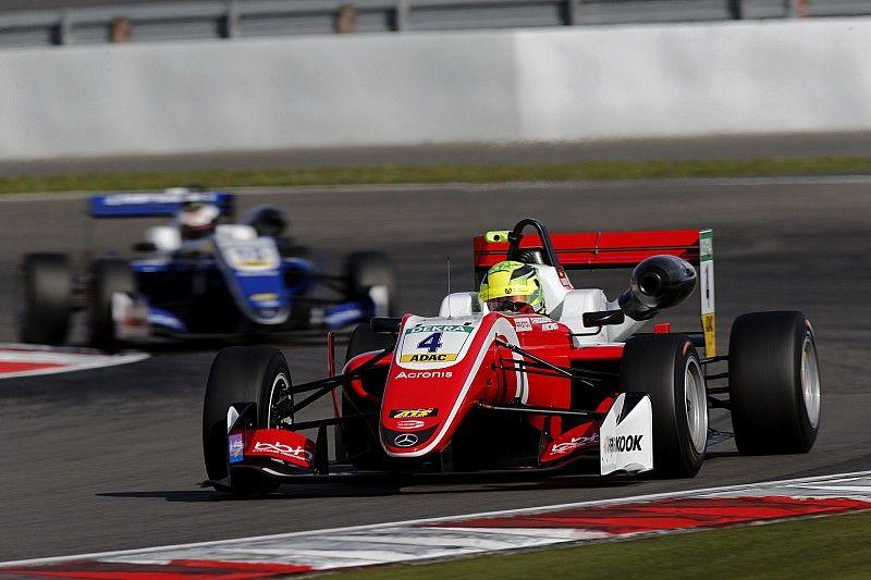 Mick Schumacher prosegue il dominio al Nürburgring: pole position anche per Gara 2 e 3
