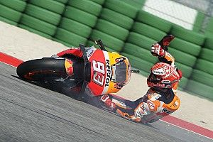 Fotogallery: la scivolata di Marc Marquez nelle qualifiche di Misano
