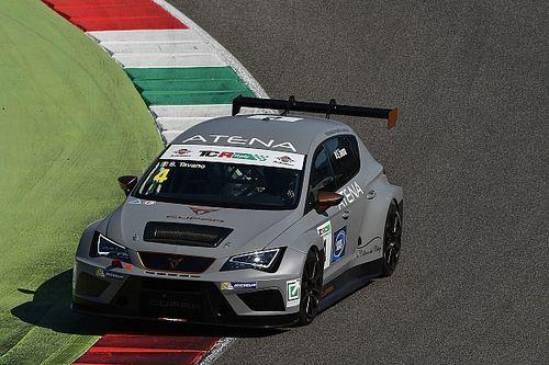 Salvatore Tavano centra la prima vittoria stagionale in Gara 1 al Mugello