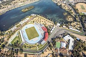 """Avustralya GP organizatörleri yarışı ertelemenin """"artılarına"""" bakıyor"""