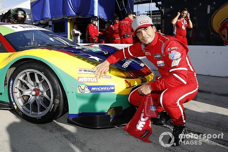 """Marcos Gomes exalta trabalho """"fantástico"""" de equipe em pole position"""