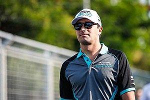 """""""Hamilton nem lenne ilyen domináns egy versenyképes csapattárs mellett"""""""