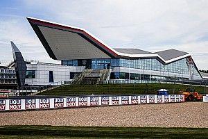 Онлайн. Гран При Великобритании. Первая тренировка