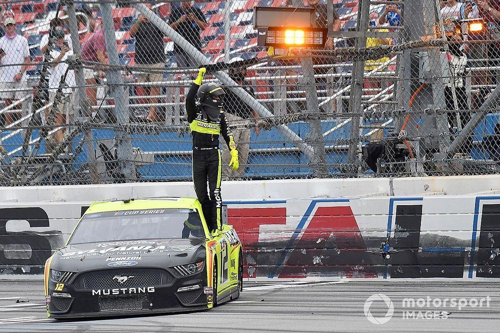Ryan Blaney wins at Talladega in spectacular photo finish