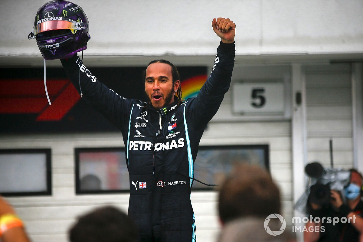 Hamilton better than Senna and Schumacher, says Walker