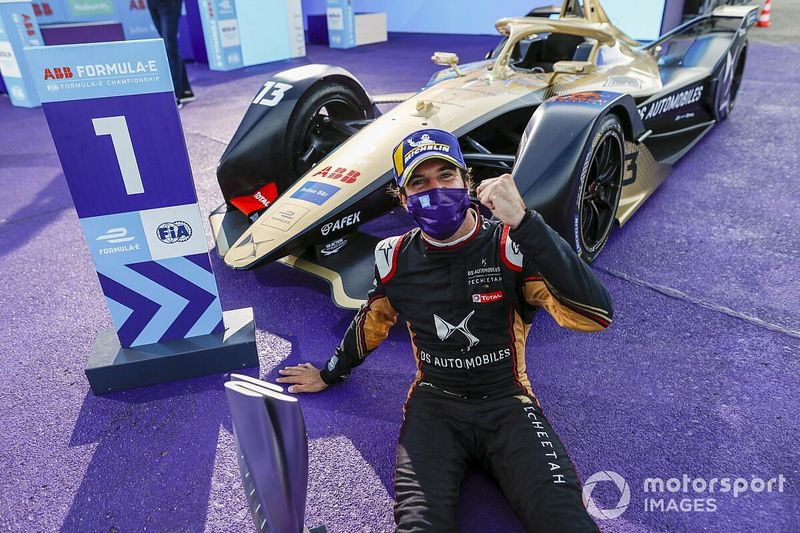 How an open title fight was defused in just two races
