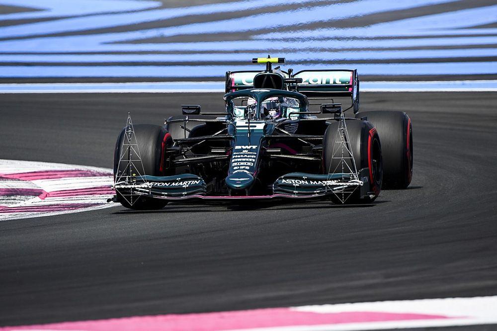 Vettel's detailed feedback behind long F1 debriefs - Aston Martin