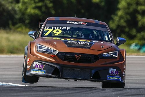WTCR, Hungaroring: Rob Huff firma una grande Pole per Gara 2