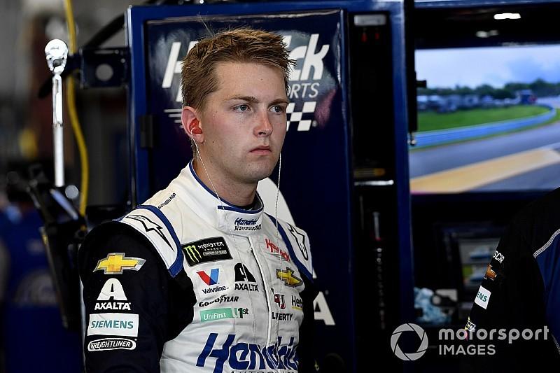 Hendrick defiende a Byron por 'mantenerse firme' contra Busch