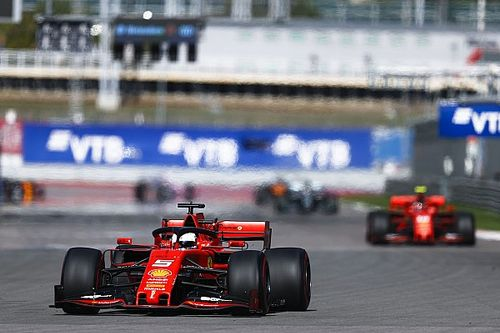Vettel diz que honrou acordo pré-corrida da Ferrari