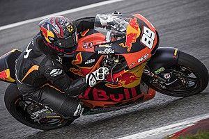 Skikampioen Hirscher test KTM MotoGP-machine in Oostenrijk