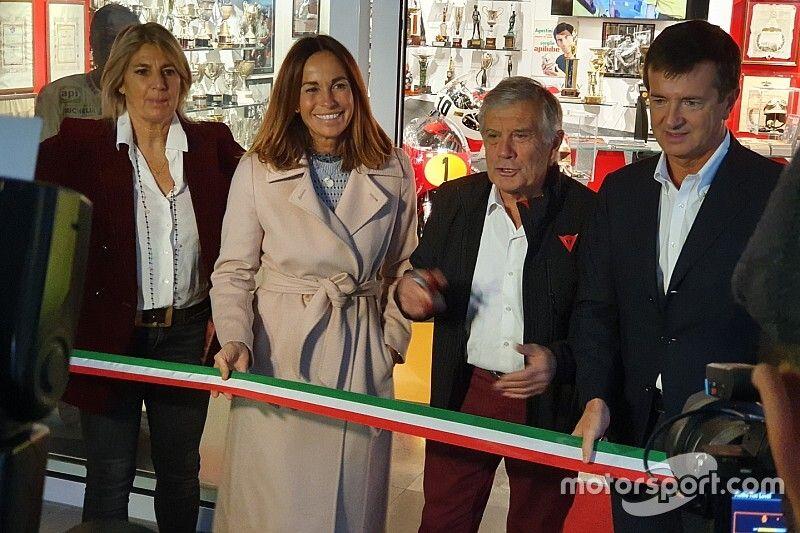 In beeld: 15-voudig wereldkampioen Agostini opent eigen museum