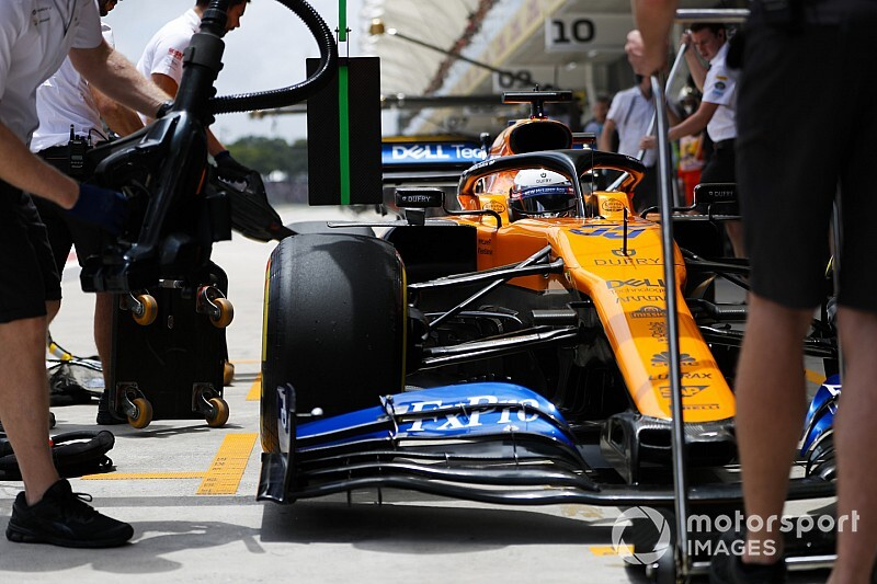 El motor del McLaren deja a Sainz al fondo de la parrilla en Brasil