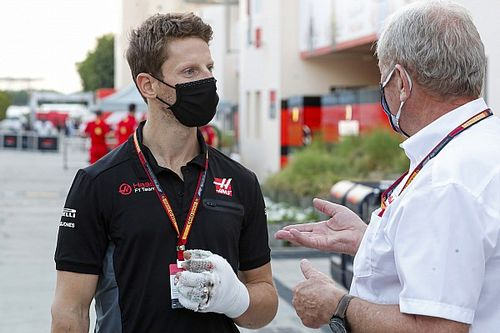 Grosjean makes sim racing return, one month after Bahrain crash