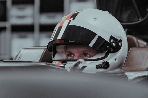 Bos Aston Martin: Vettel Bukan Pembalap Biasa