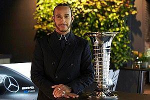 Hamilton ve Mercedes şampiyonluk kupasını aldı, Tsunoda yılın çaylağı oldu
