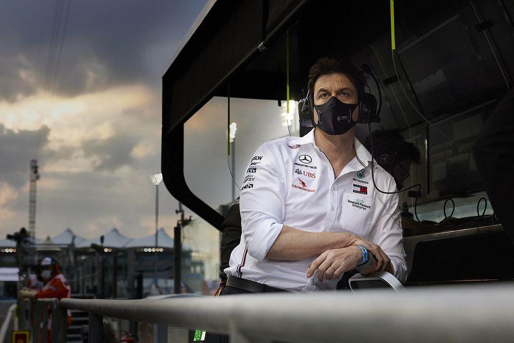 Toto Wolff zostaje w Mercedesie