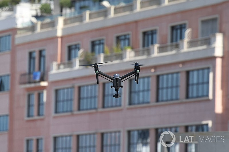 "Drone distraction threat ""may halt races"" at Isle of Man TT"