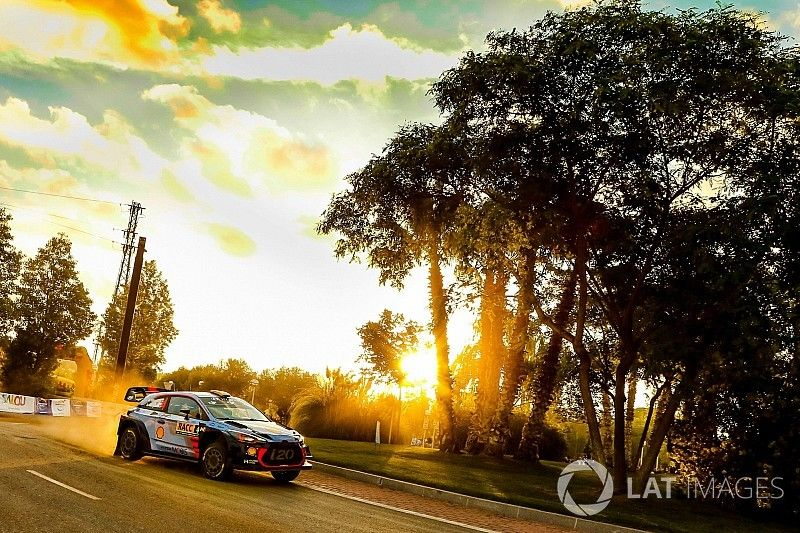 WRC Catalonië: Mikkelsen aan de leiding na eerste dag met Hyundai