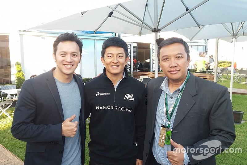 Mengikuti debut balapan F1 Rio Haryanto dari dekat