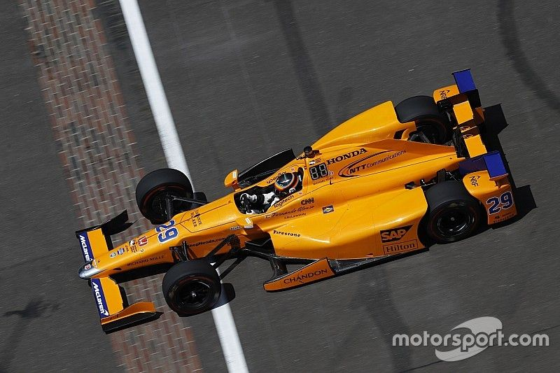 Новые подробности: как продвигаются планы Алонсо и McLaren в IndyCar