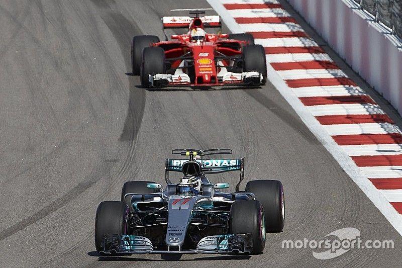 """Mercedes: """"Bottas had vrij forse schade aan zijn voorbanden"""""""