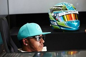Hamilton reveals over 8,000 entries in F1 helmet design competition