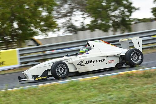 Coimbatore JK Tyre: Guest driver Capo wins Race 4