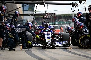 Квят остался недоволен прогрессом Renault
