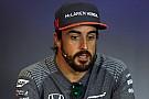 Alonso a magyar rajongóival a Hungaroringen
