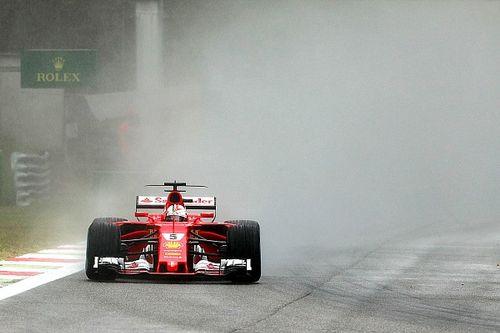 Les pilotes Ferrari douchés par le déluge en Q3