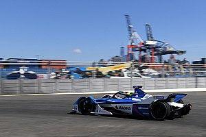 Симс завоевал свой первый поул на квалификации перед финальной гонкой сезона Формулы Е