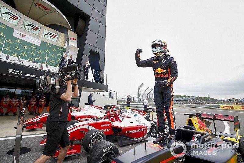 Silverstone F3: Vips fends off Daruvala for win