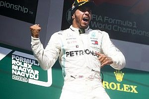 Hamilton nunca 'entrou de férias' tão tranquilo na era Mercedes da F1